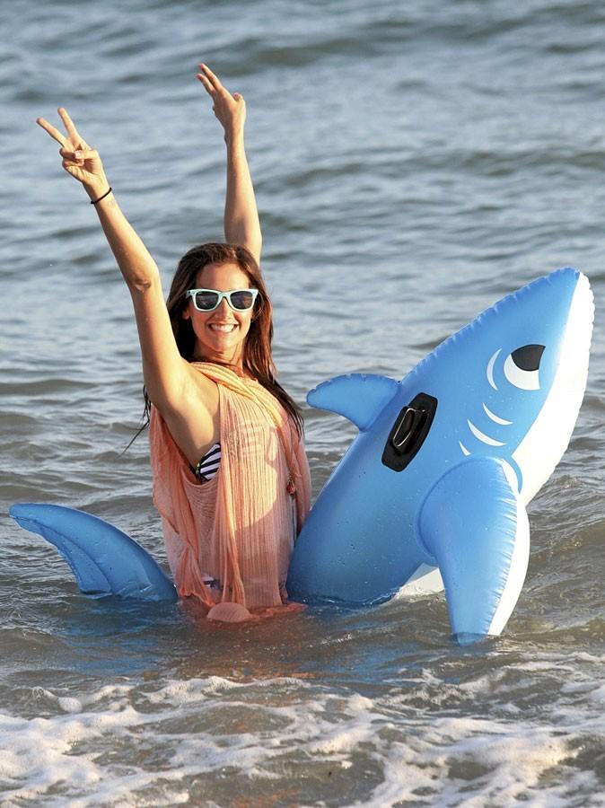 Ashley Tisdale est une vraie gosse à la plage !