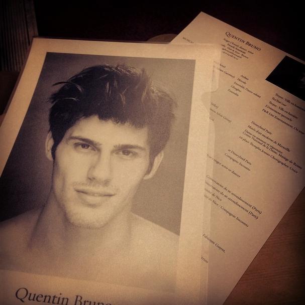 Photos : Quentin Bruno : découvrez les photos hot du candidat de The Voice... qui pose nu !