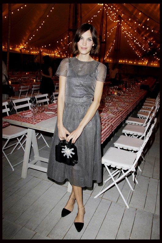 Alexa Chung lors du dîner Chanel en l'honneur de Karl Lagerfeld à Antibes, le 8 mai 2011.