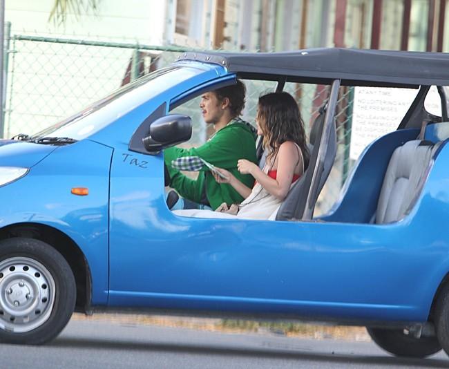 Rachel Bilson et Hayden Christensen en vacances à la Barbade le 15 avril 2013