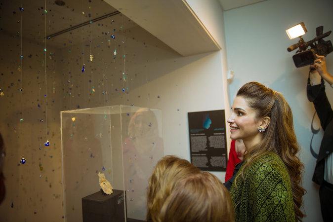 Photos : Rania de Jordanie : captivée et captivante de beauté !