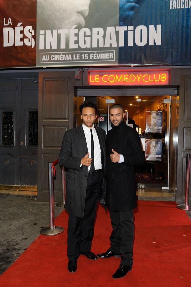 Rashid Debbouze et Yassine Azzouz lors de la première du film La Désintégration à Paris, le 8 février 2012.