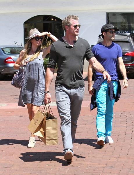Rebecca Gayheart et son mari Eric Dane à Malibu, le 20 août 2013.