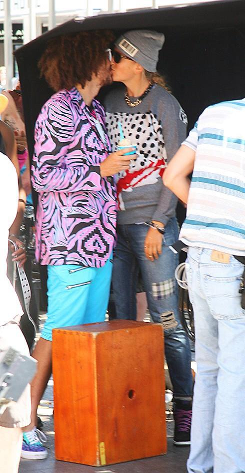 RedFoo avec sa girlfriend Victoria Azarenka sur le tournage de son nouveau clip à Miami le 2 octobre 2013