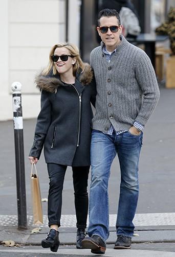 Reese Witherspoon en vacances à Paris avec Jim Toth le 9 décembre 2013