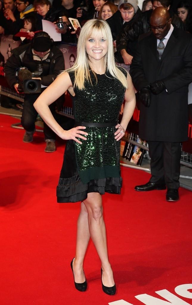 Reese a frappé fort avec cette petite robe !