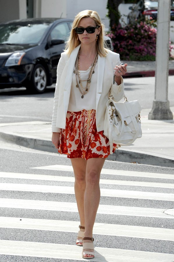 Reese Witherspoon à Los Angeles le 11 juin 2013