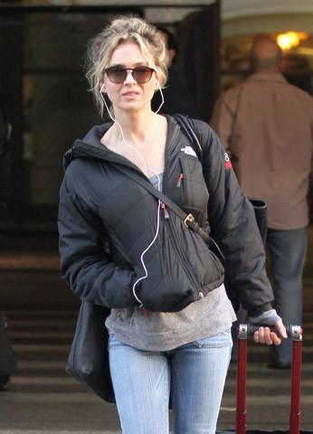 Renee Zellweger en mode incognito à Los Angeles ce week-end...