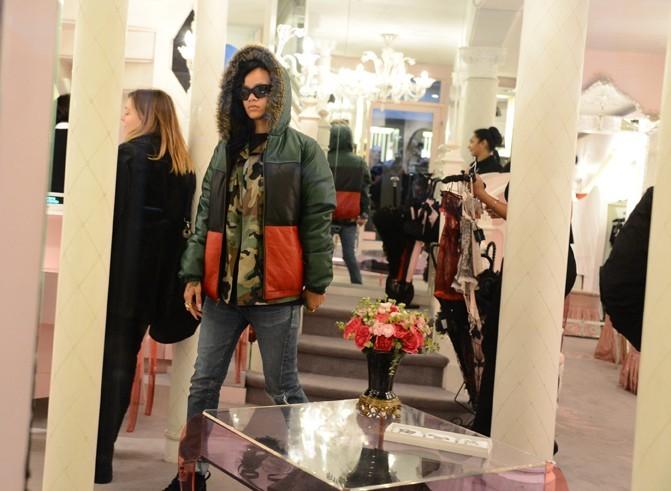 Rihanna à Paris le 17 novembre 2012