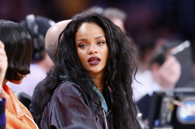 Rihanna : alerte � la bombe au match des Lakers !