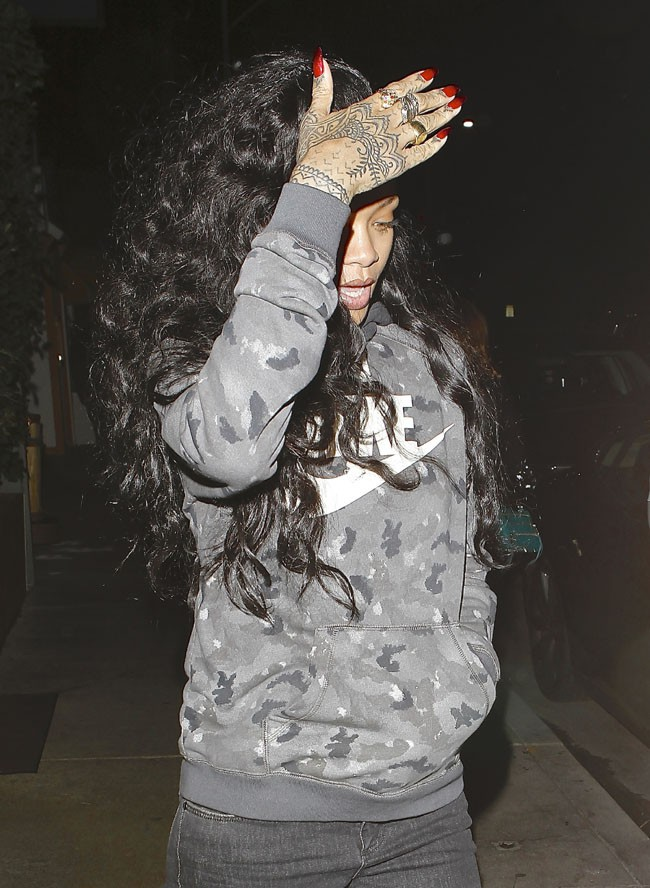 Rihanna à la sortie du restaurant Giorgio Baldi de Santa Monica le 7 décembre 2013
