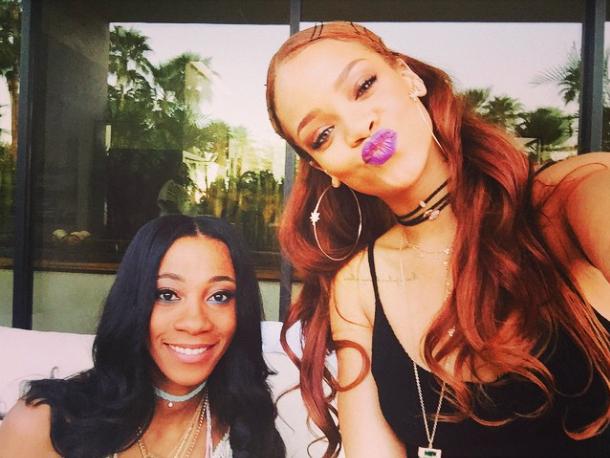Photos : Rihanna : complètement fan de son roux !
