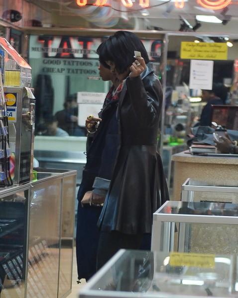 Rihanna et Melissa Forde à New York, le 18 novembre 2013.