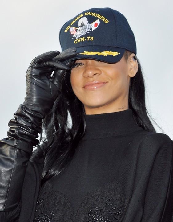 Rihanna s'applique pour la promo de Battleship !