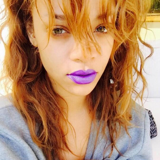 Photos : Rihanna : elle arbore un nouveau piercing bling bling !