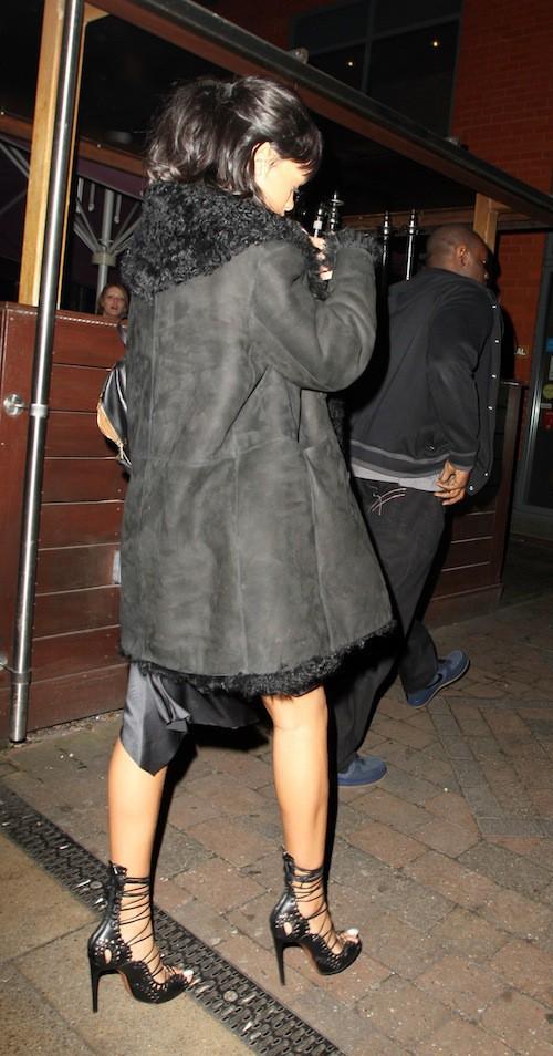 Photos : Rihanna et Drake : difficile de sortir incognito en amoureux !