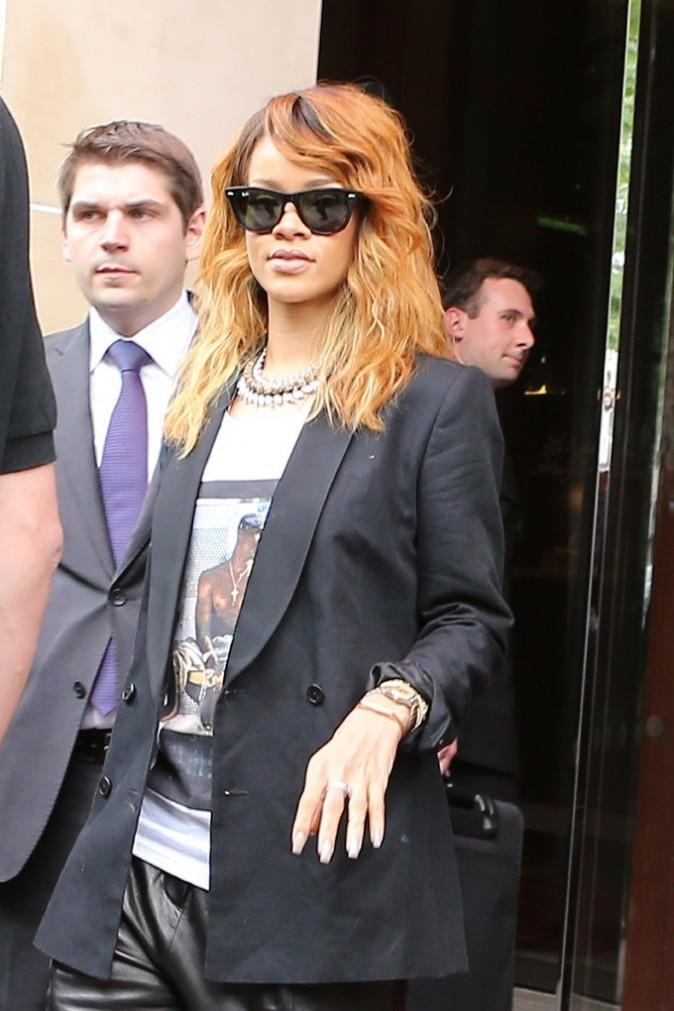 Rihanna à la sortie du Royal Monceau, à Paris, le 2 juillet 2013