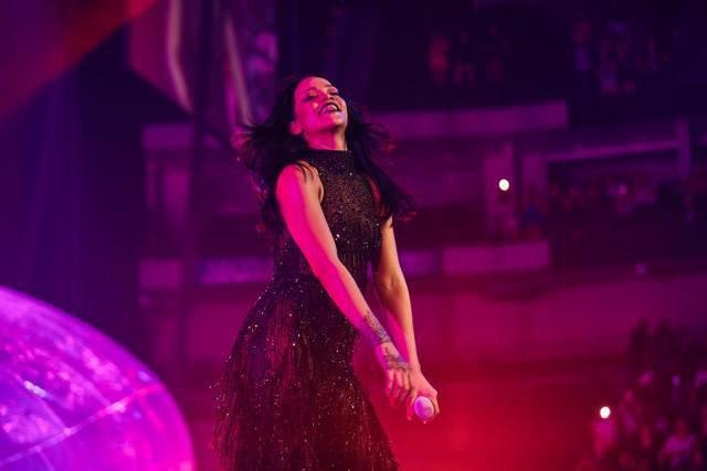 """Photos : Rihanna : les premières images de sa tournée """"Anti""""!"""