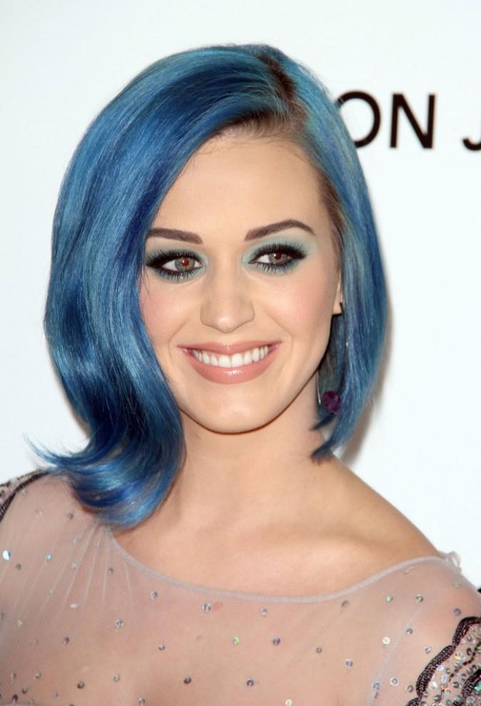 Katy Perry ne lâche plus son bleu électrique !