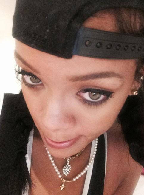 Quand Rihanna s'ennuie...