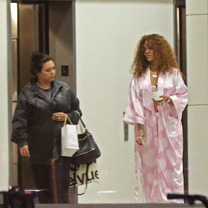 Rihanna : S'habiller ? Pourquoi faire ?
