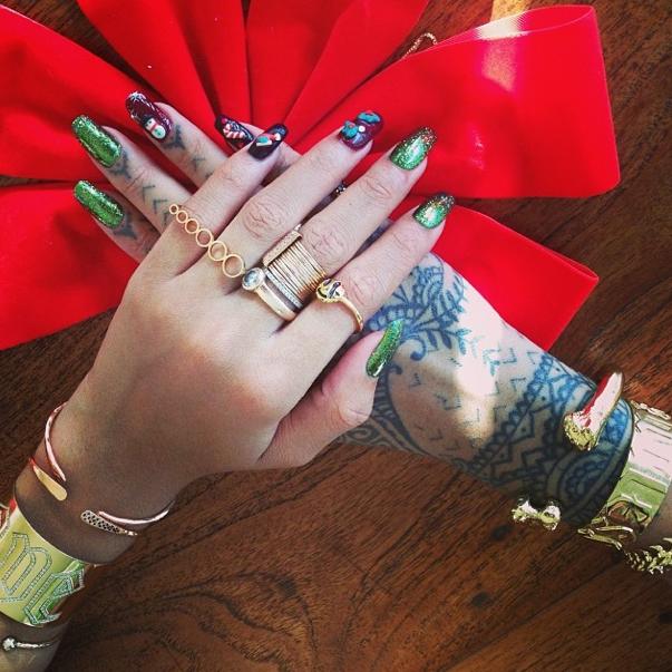 Top ou Flop les ongles façon déco de Noël ?