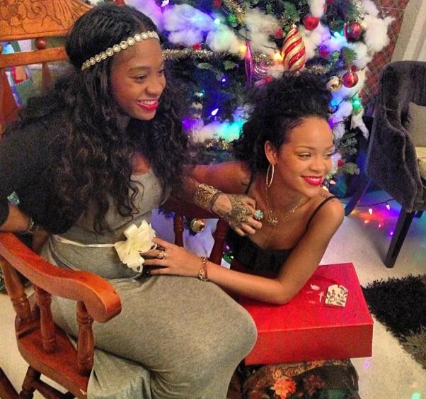Rihanna et sa cousine enceinte !