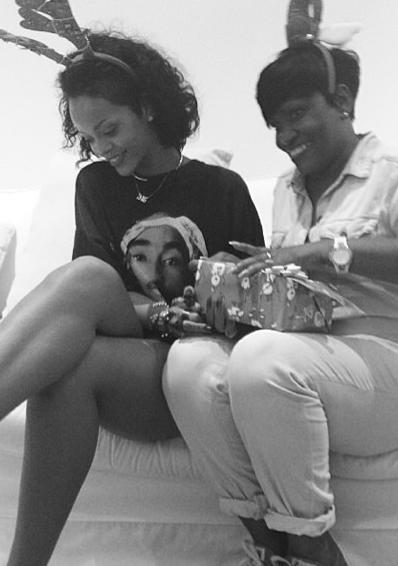 Rihanna et sa tante Marcel !