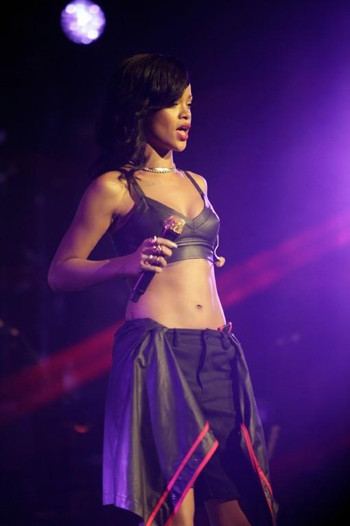 Rihanna en concert à Mexico pour le 777 Tour le 15 novembre 2012