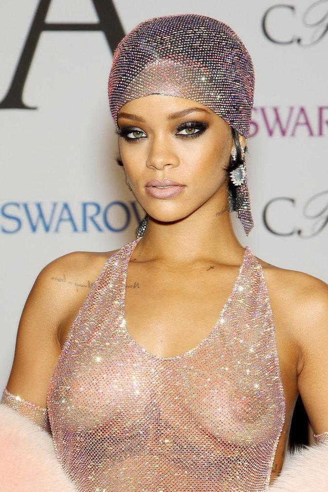 Rihanna lors des CFDA Awards 2014