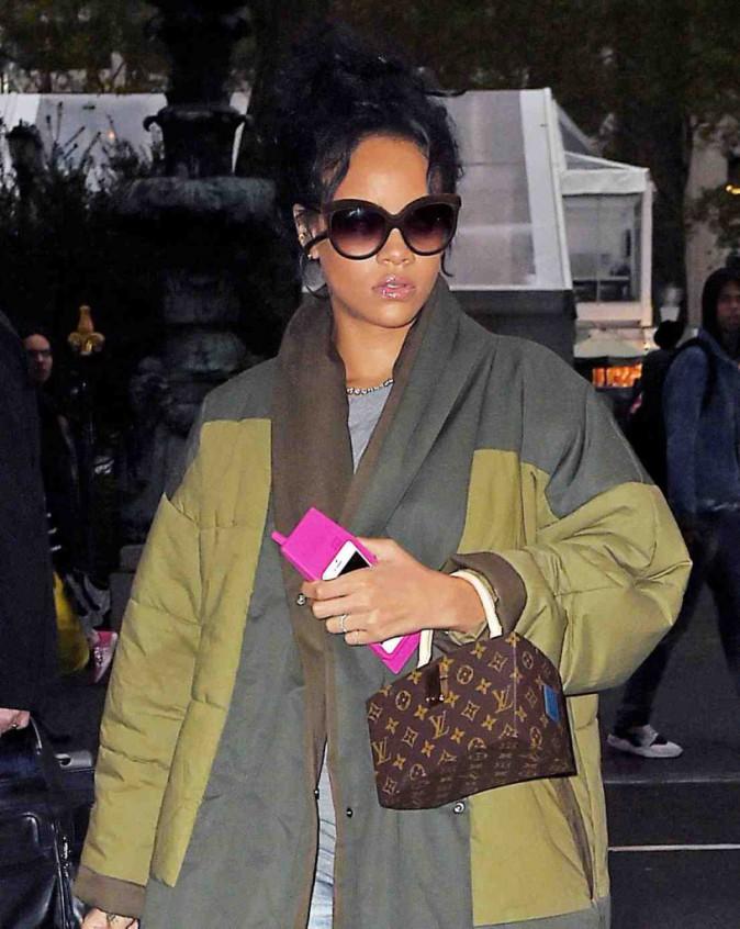 Rihanna : son sens du style baisserait-il en même temps que les températures ?