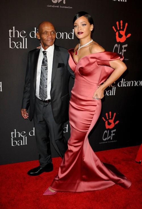 Rihanna et son grand-père pour son premier Diamond Ball !