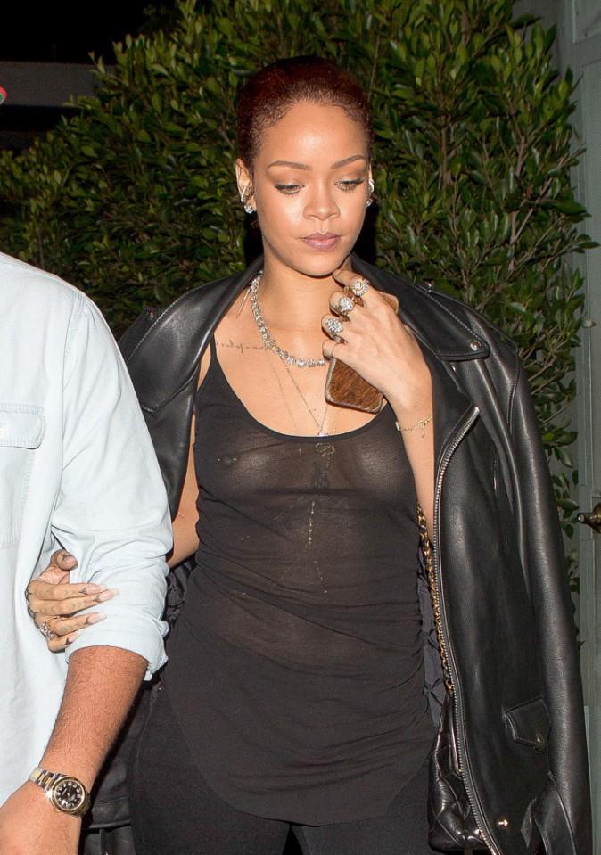Photos : Rihanna : tétons apparents pour diner avec son frère... mais où est donc Benzema ?