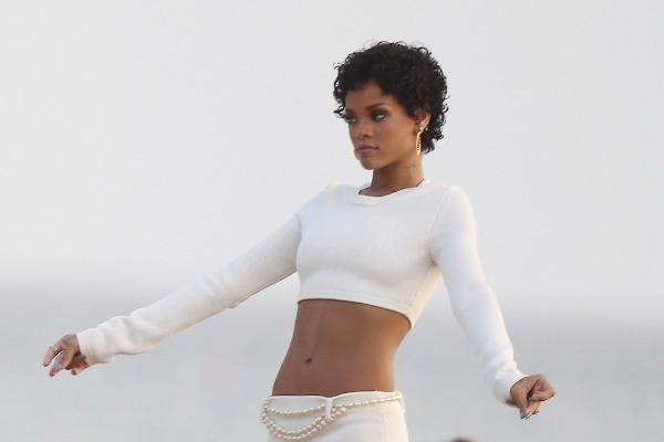 Rihanna en shooting à la Barbade, le 3 août 2013