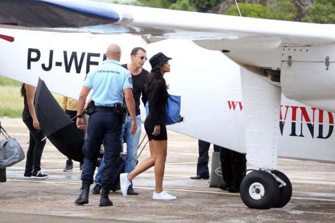 Rihanna quittant Saint-Barth' en jet privé le 4 janvier 2015