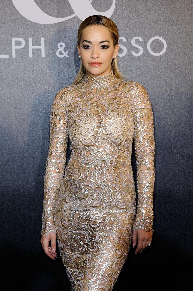 Photos : Rita Ora à Paris : elle ose la transparence à la Fashion Week !