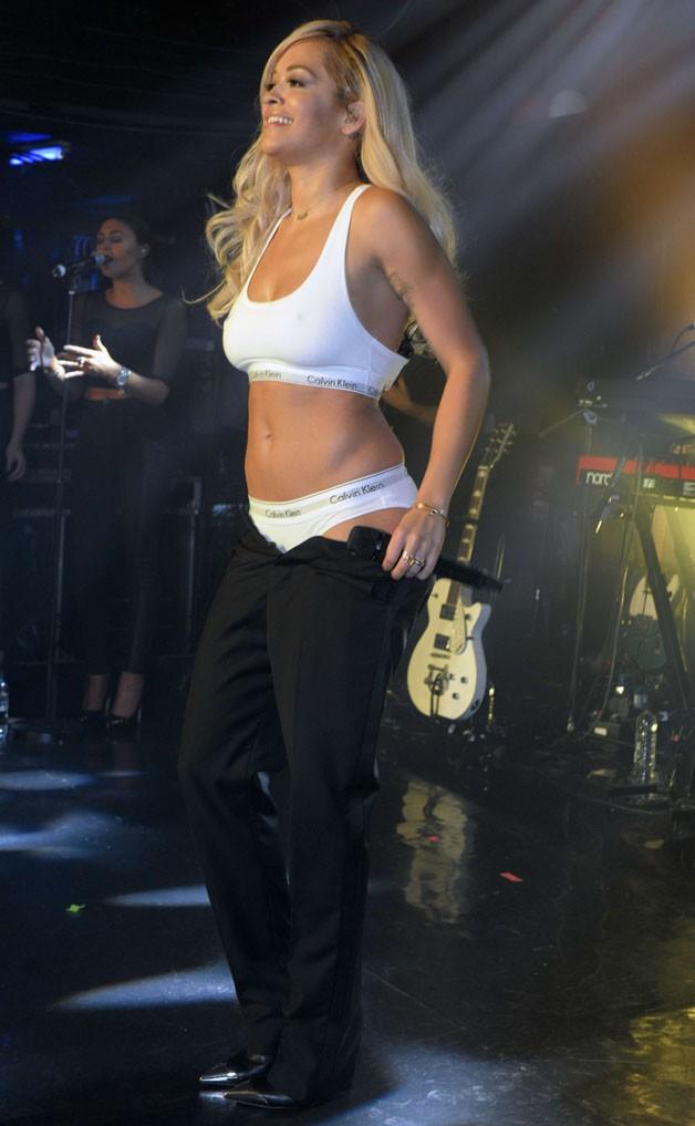 Rita Ora en concert au G-A-Y Club de Londres le 10 mai 2014