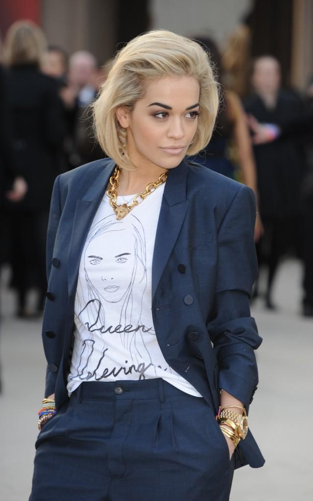 Rita Ora et son t-shirt à l'effigie de Cara Delevingne...
