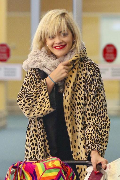 Rita Ora à l'aéroport de Vancouver le 15 janvier 2014