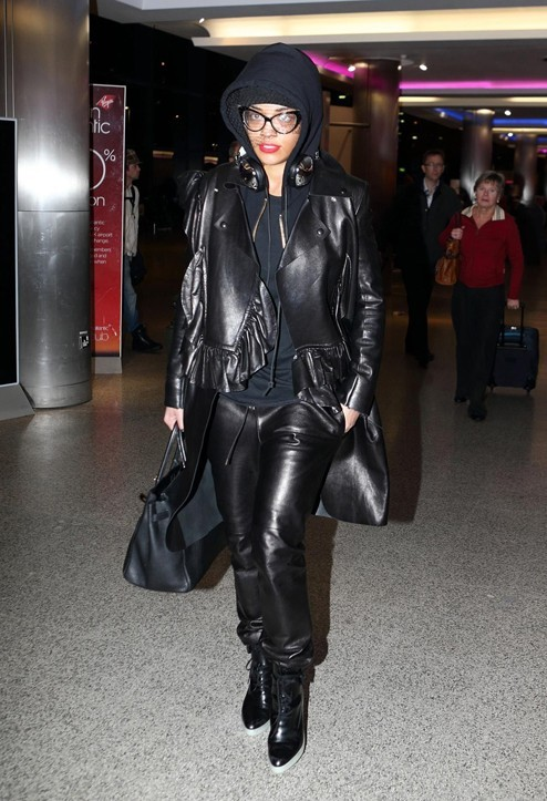 Rita Ora à l'aéroport d'Heathrow de Londres le 14 janvier 2013