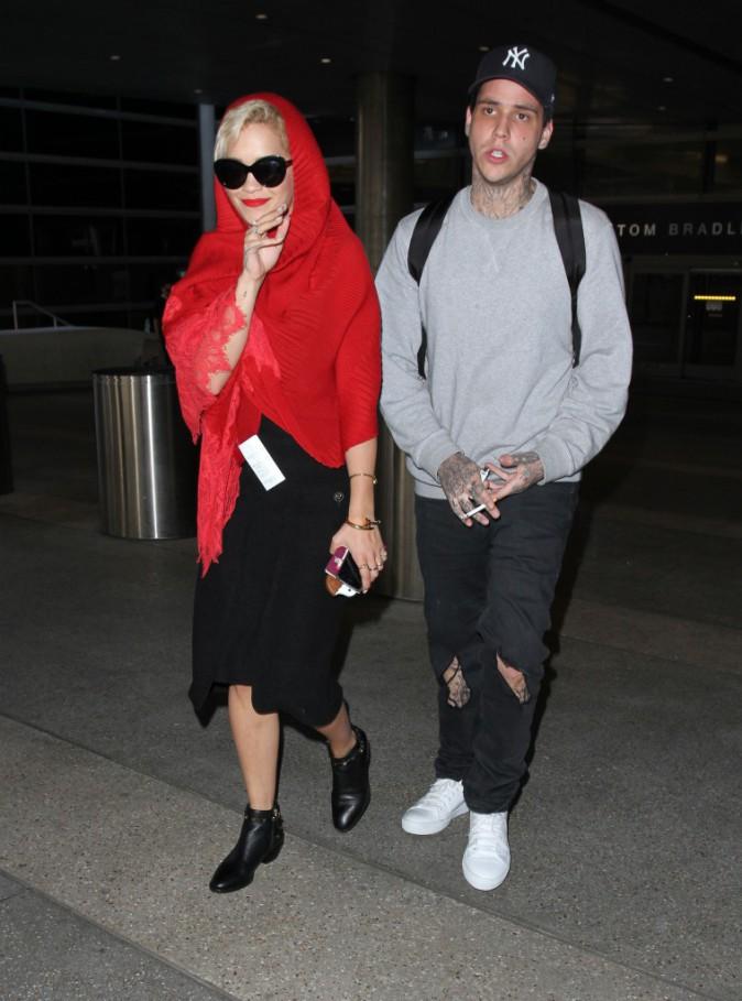 Rita Ora et Ricky Hil à l'aéroport de Los Angeles, le 17 juillet 2014