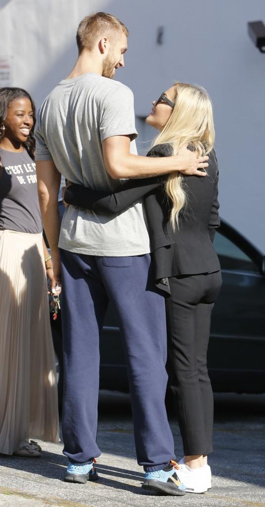 Rita Ora et Calvin Harris à Los Angeles, le 17 juin 2013.