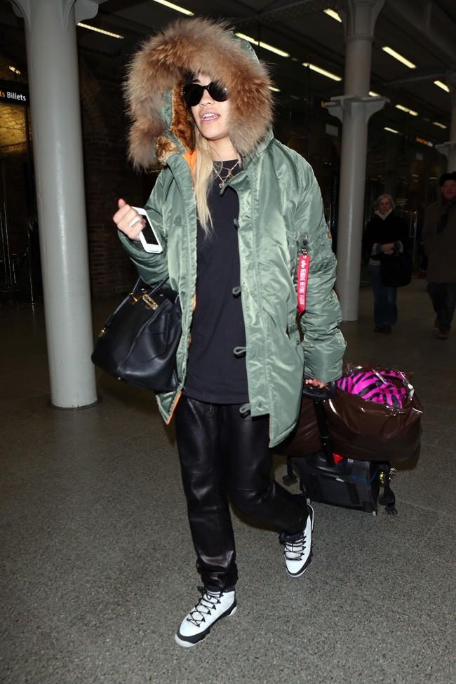 Rita Ora à son retour à Londres le 23 janvier 2013