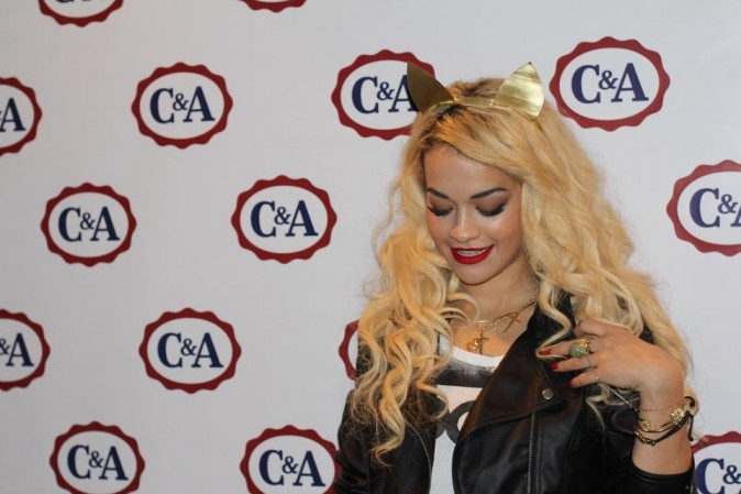 Rita Ora en conférence de presse à Sao Paulo, au Brésil, le 27 mars 2013