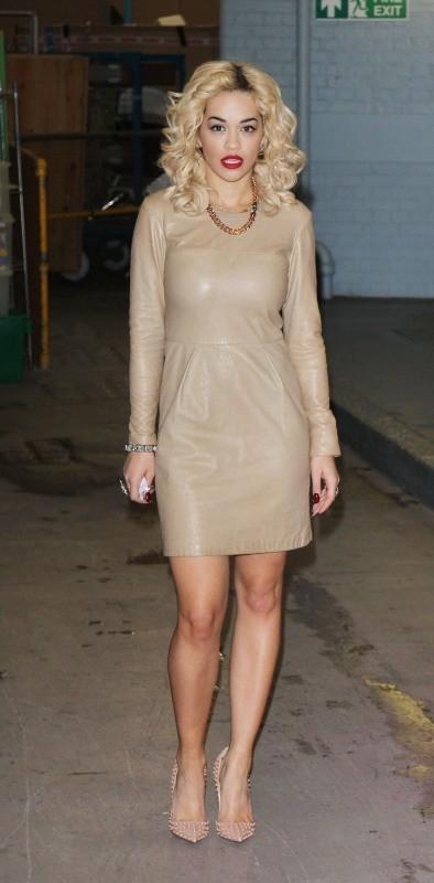 Rita Ora : enfin un look élégant !