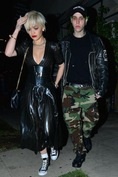 Photos : Rita Ora : tétons en vue, elle dégaine une nouvelle robe au style SM !