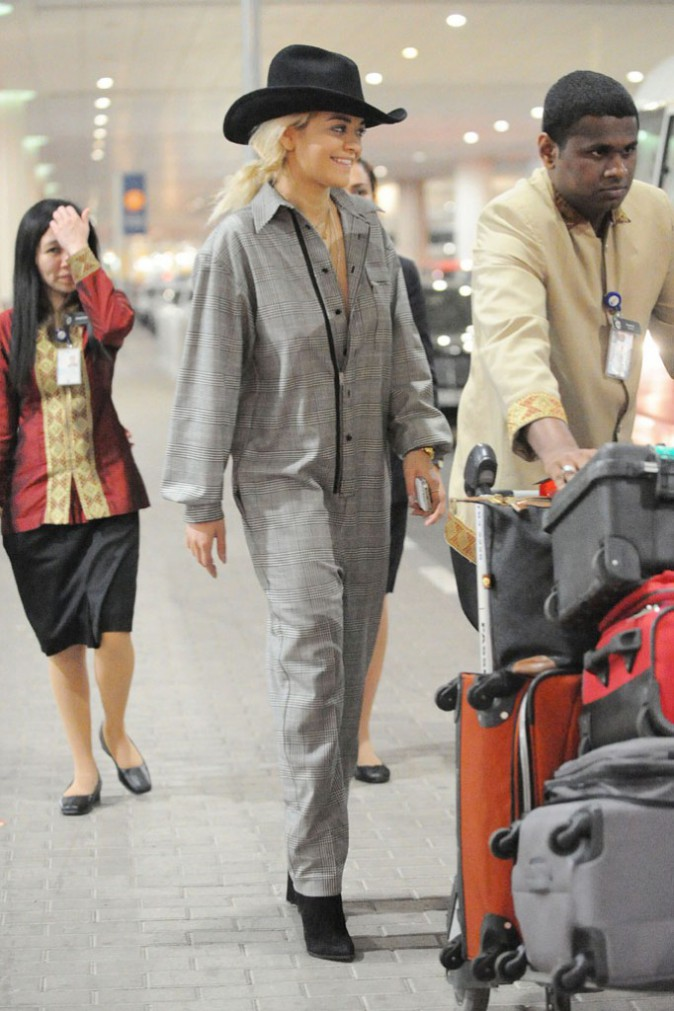 Rita Ora à l'aéroport de Dubaï le 14 février 2014