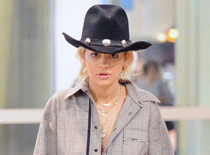 Rita Ora : une cow-girl à Dubaï !