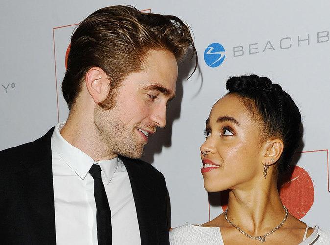 Robert Pattinson et FKA Twigs amoureux pour une rare apparition en duo !