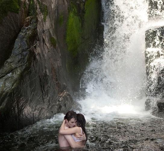 Un moment assez chaud dans la cascade !